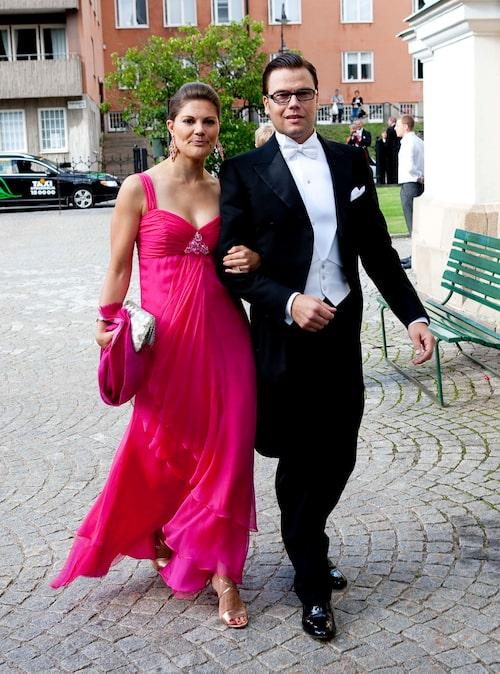 Kronprinsessan Victoria och prins Daniel på Ellen Stendahls och Jan Dinkelspiels bröllop.