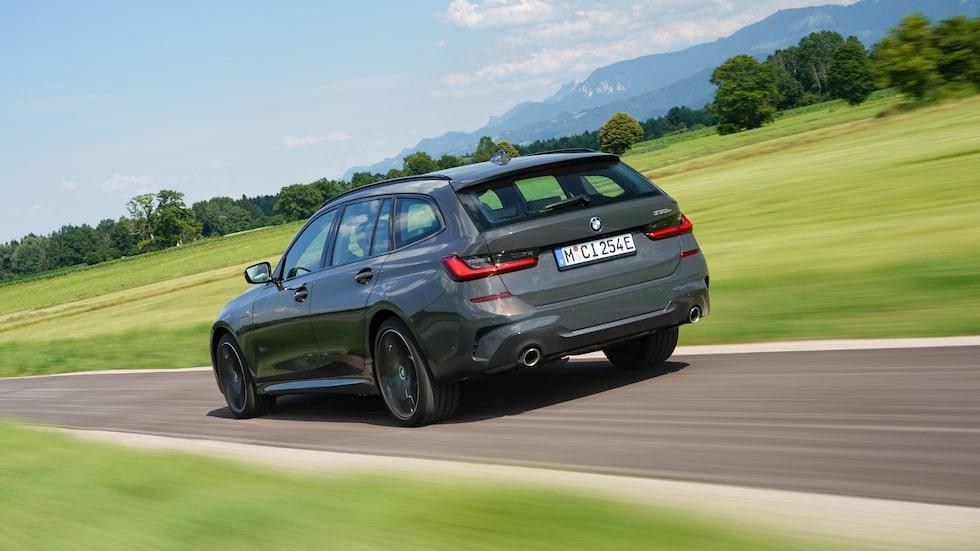BMW 330e, som nyss har kommit som kombi, är en av de berörda modellerna. 330e är för övrigt Europas fjärde mest sålda laddhybrid.