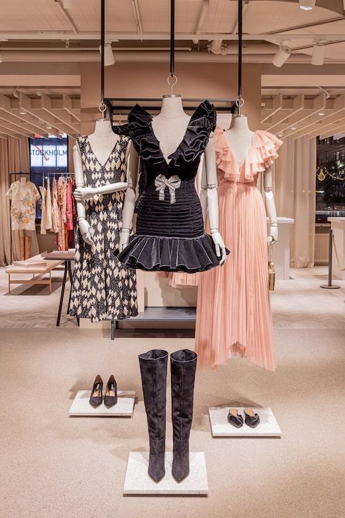 Hos H&M kan man hyra utvalda kläder ur deras Conscious exclusive-kollektioner.