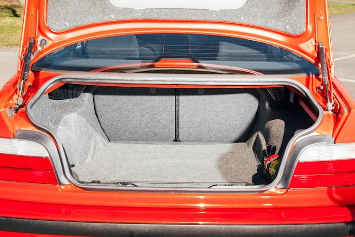 Att kunna erbjuda ett rymliga bagageutrymmet i kombination med prestanda är M3:s adelsmärke.