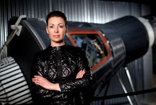 Renata Chlumska släpper egna kläder under varumärket Renata. Här i I jackan Galactic som inspirerats av hennes kommande resedestination.