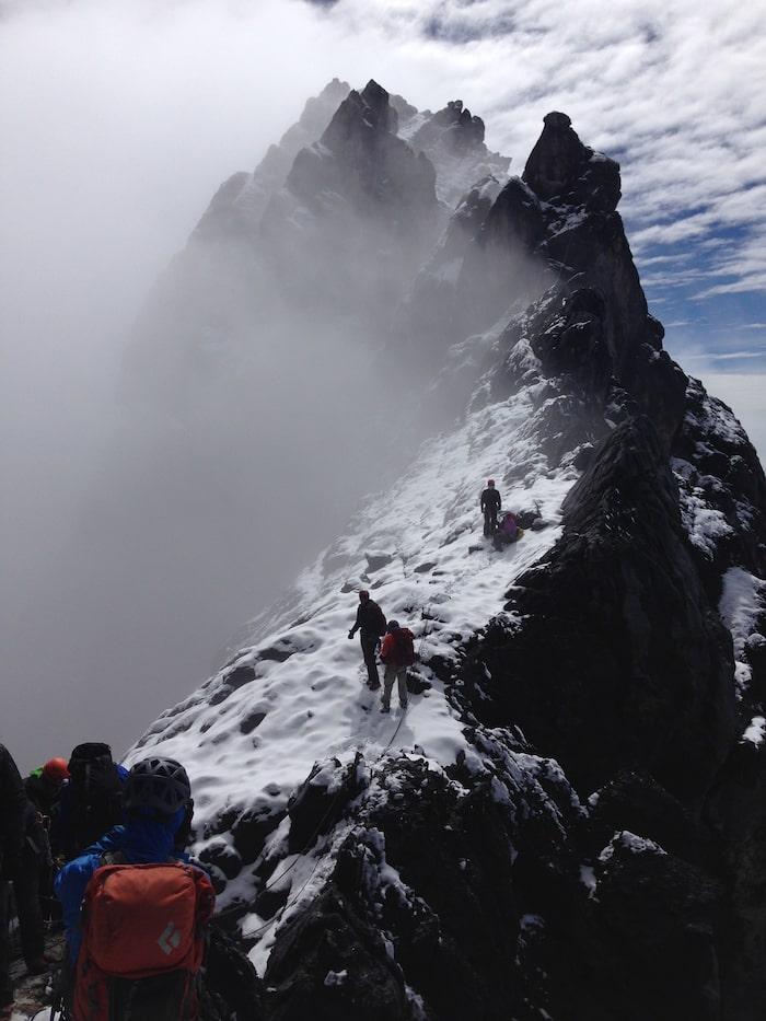 På Carstenz Pyramid, Oceaniens högsta berg, 2014.