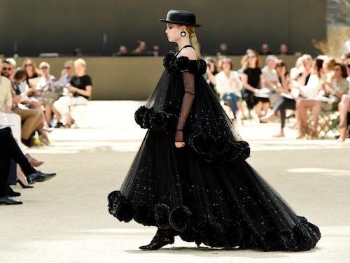 Haute couture är en dyrsam historia.