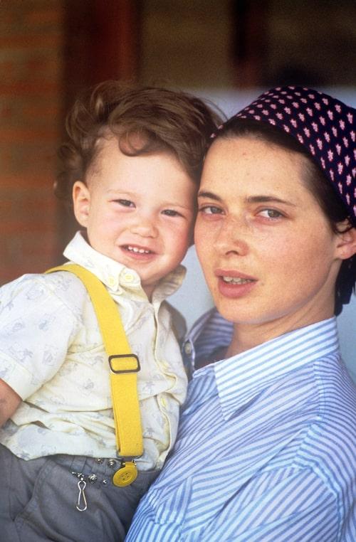 Isabella Rosselini med dottern Elettra 1984.