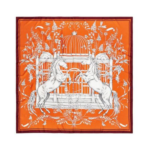 Orange scarf av siden från Emma Fällman
