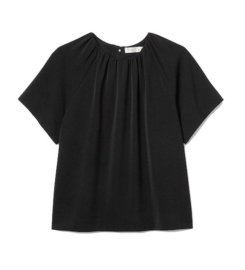 Svart lyxig t-shirt med rynkdetalj från InWear.