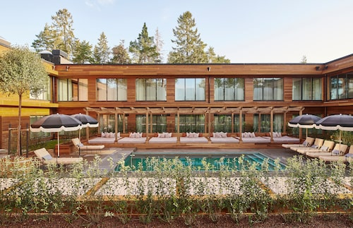 Ellery Beach House är ett nytt destinationshotell.