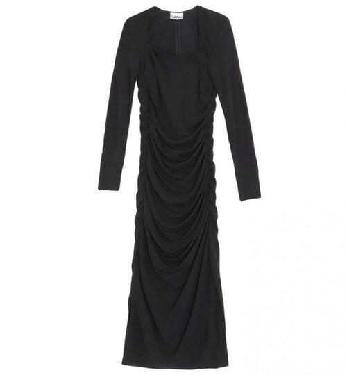 Draperad trikåklänning med trendig halsringning från Ganni. Klicka på bilden och kom direkt till klänningen.