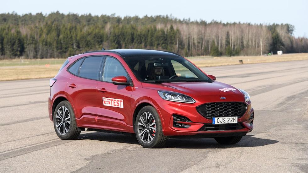 Ford Kuga Plug-In Hybrid har problem med batterier som kan ta eld. Modellen återkallas och försäljningen har pausats.