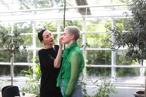 Rose-Marie Swift och svenska modellen Cajsa Wessberg.