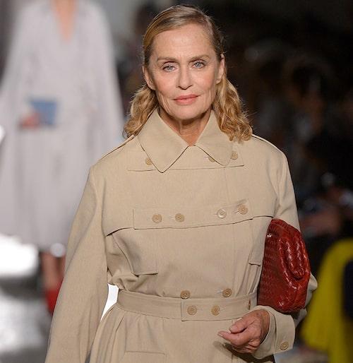 Modellen Lauren Hutton vet hur man får till en snygg bas för mogen hy.