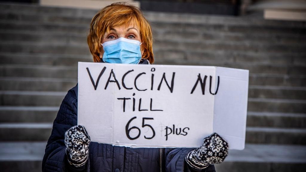 PRO protesterar mot långsam vaccination av äldre i Stockholm
