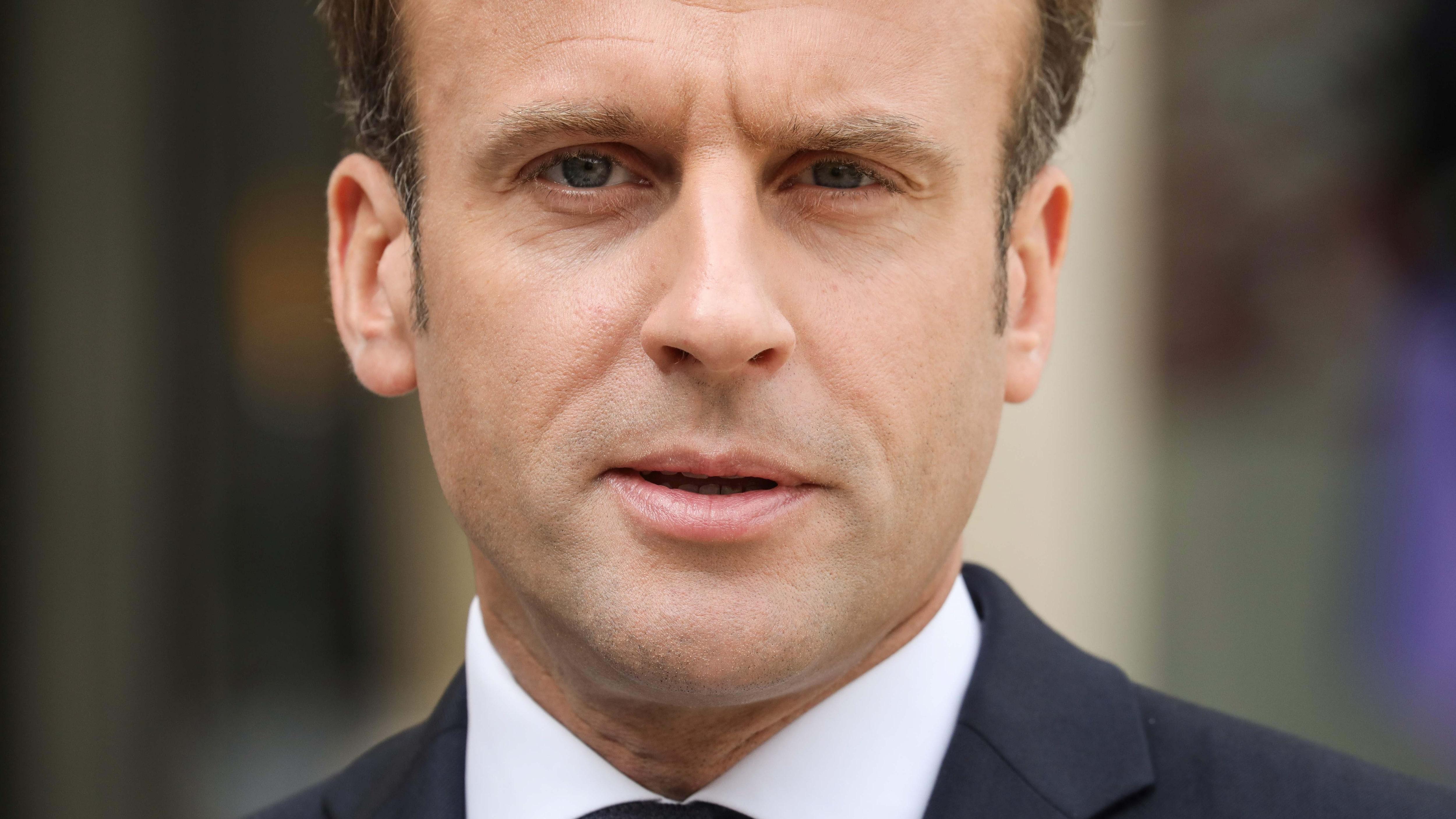 Macron vill lägga ner elitskolan han själv gick på