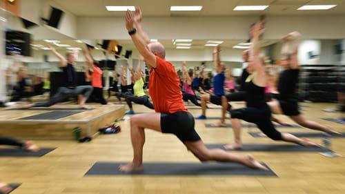 Samhällsvinsterna av ökad fysisk aktivitet kan inte överskattas. Därför bör politikerna införa incitament för mer motion.