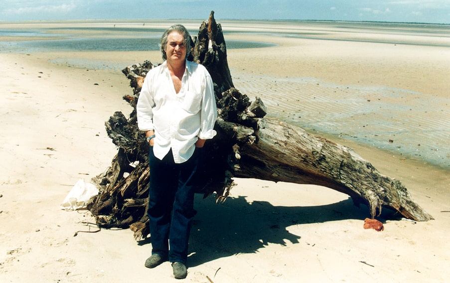 Henning Mankell i Mocambique 1990.