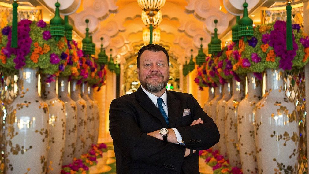 """""""Vi har en ny publik. Det är färre korruptastatstjänstemän och fler ur den nya kinesiska medelklassen"""", säger svenske Kristoffer Luczak som är bar- och restaurangchef på tre kasinon i Macao."""