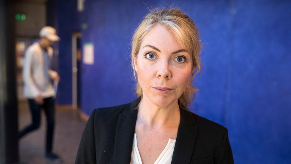Louise Bringselius, docent vid Lunds universitet, är kritisk till den nya organisationsmodellen på Karolinska.