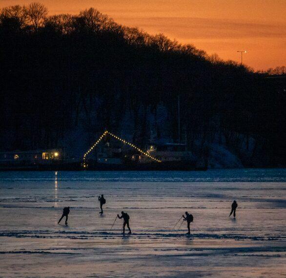 20 januari 2019 kl 16.23. Dag 80 av 100 dagars vintermörker. Riddarfjärden.