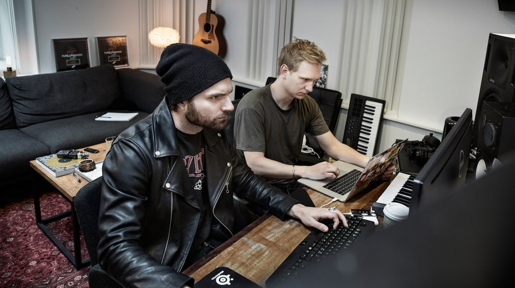 Kristoffer Fogelmark and Albin Nedler stayed behind in the house in Los Angeles while Tim Bergling travelled to Oman.