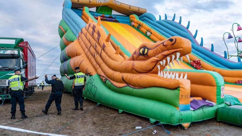 Polisen kallades till nöjesfältet efter händelsen.