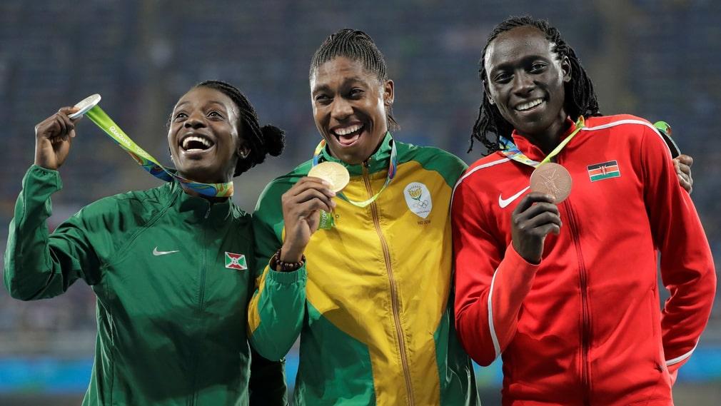 Francine Niyonsaba (till vänster), Caster Semenya och Margaret Wambui vid OS 2016 i Rio de Janeiro.