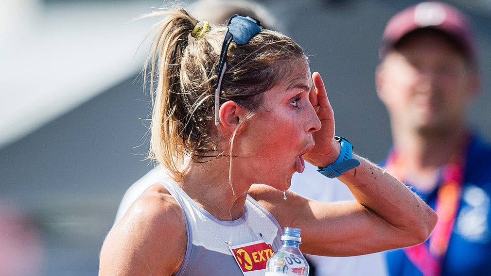 Therese Johaug efter 10 000-metersloppet.
