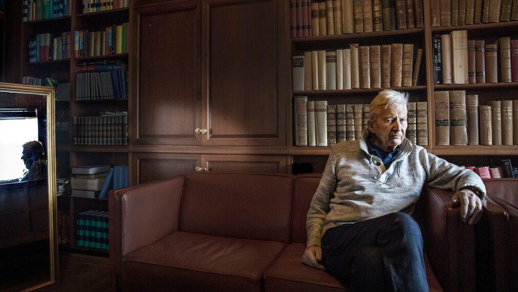 Enquist skrev ett drygt tjugotal romaner och essäsamlingar, nio dramer samt fem filmmanus.