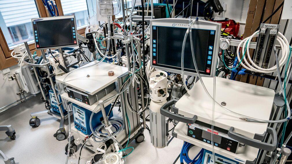 Ecmo-centrum på Nya Karolinska. Enheten har ett stort inflöde av covid-sjuka patienter.