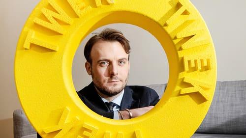31-åriga Simon Petrén satsar på en miljardvärdering - i dollar.