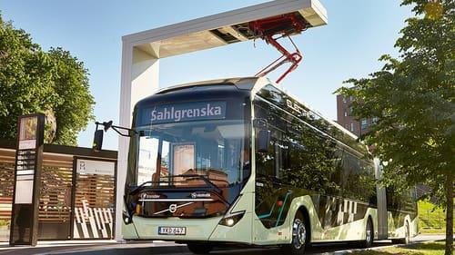 Ett av de mest lyckade samarbetsprojekten är Electricity i Göteborg, där Volvokoncernen, Västra Götalandsregionen, Västtrafik, Göteborgs Stad, Chalmers, Energimyndigheten och flera andra företag och institutioner gick samman för att hitta en väg framåt när det gäller elektrifierade resor och transporter. I dag rullar 150 nya elbussar från Volvo på 34 linjer i Göteborgsområdet som ett direkt resultat av detta.