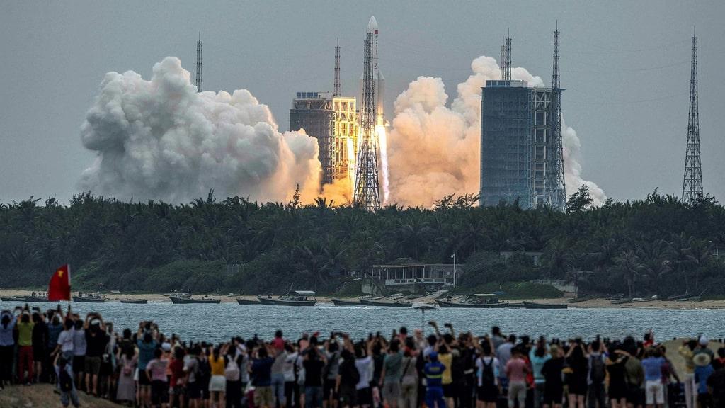Kinesisk raket störtar mot jorden – oklart var den landar