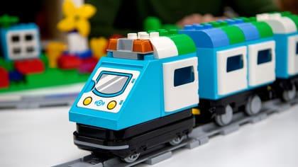 PÅ BANAN. Hands-on science har varit tidiga med det nya – till exempel är de en av få återleverantörer av Lego Education.