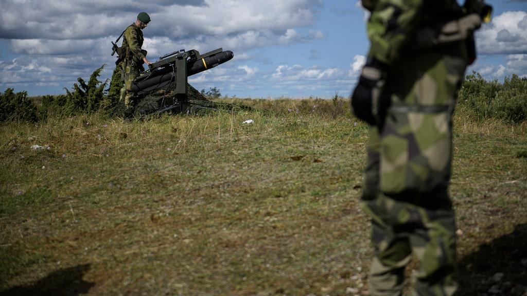 Sverige höjer militära beredskapen