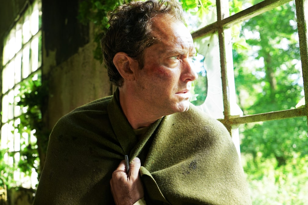 """Jude Law i HBO-serien """"The third day""""."""