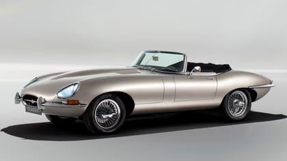 Jaguar E-type, av många betraktad som en av världens finaste bilar. Konverterad till elbil av Jaguar Land Rover Classics.