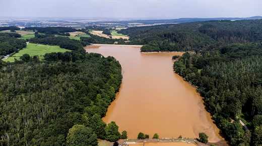 There is great concern about the explosion of the Steinbach Dam near Euskirchen.  On Saturday, rumors spread that she had already been inundated.